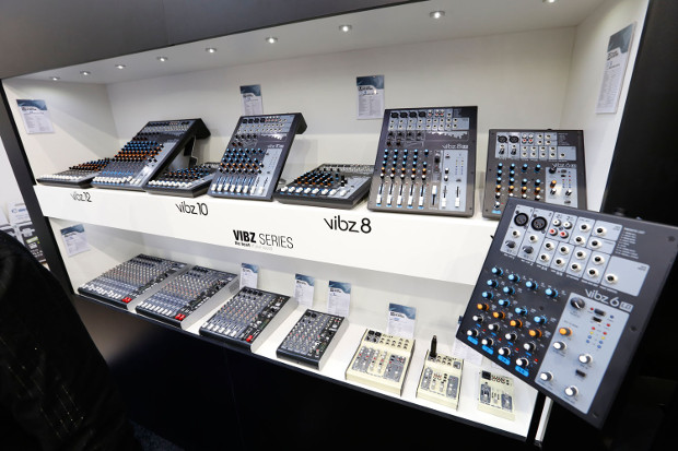 The Vibz series from LD Systems has 4 mixers with practical functions, professional sound and high-quality features.