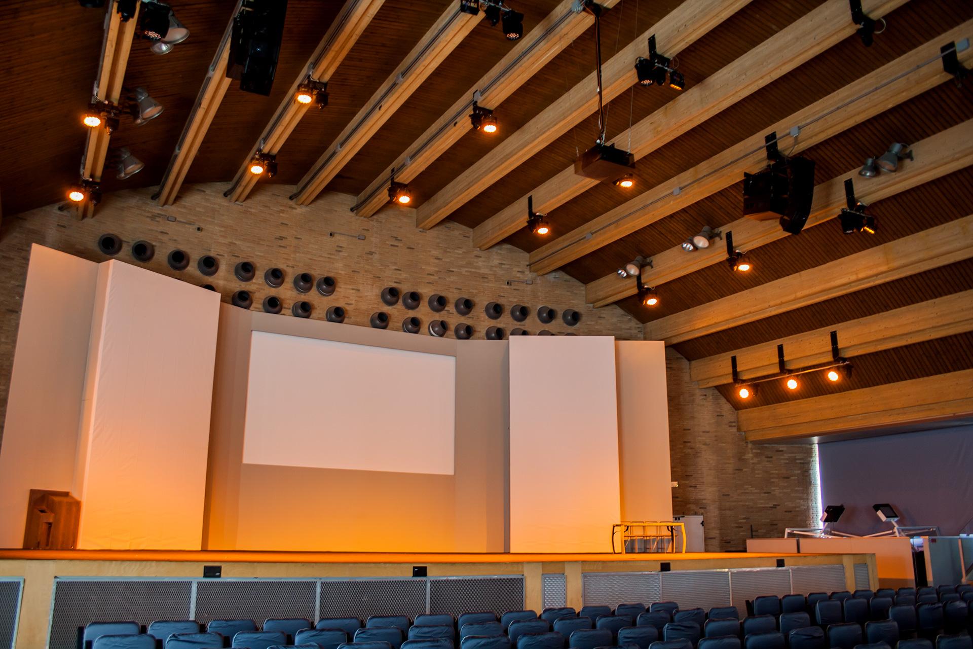 Focos para techos de madera materiales de construcci n - Iluminacion de techo ...