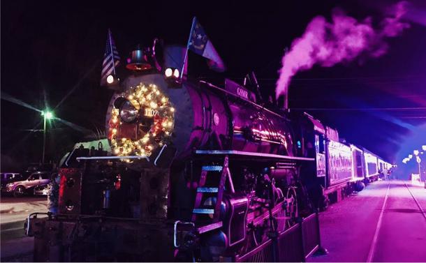 Los washers ZENIT W600 de Cameo iluminan el POLAR EXPRESS en Carolina del Norte