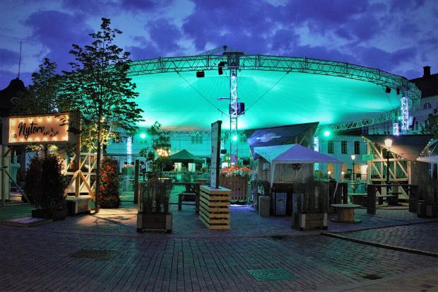 Célébrations danoises – Les projecteurs Cameo ZENIT W600 et W300 éclairent le festival Snapsting